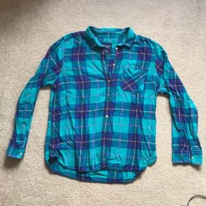 American Eagle women's green and blue plaid shirt